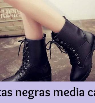 Botas negras media caña