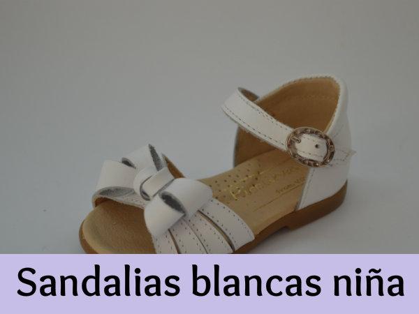 9d3e077c0 Sandalias blancas de niña - ¡Las más lindas para el Verano! - 2Botas.com